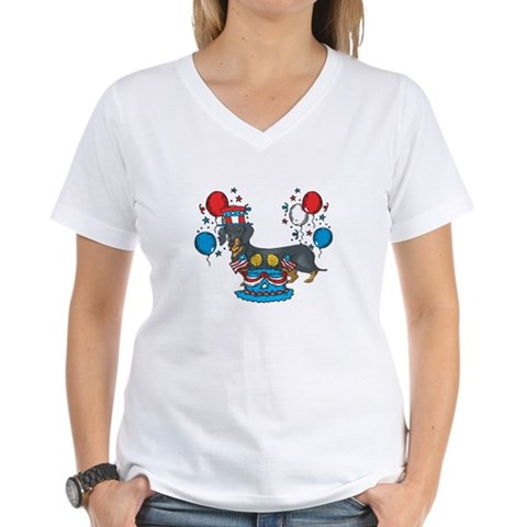 Product Image of 4th of July Dachshund Women's V-Neck T-Shirt